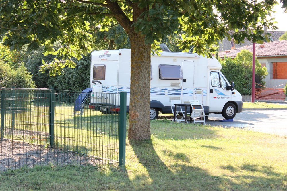 Aire camping-car à Grenade (31330) - Photo 1